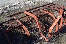 Allis Chalmers Rotary Hoe - Farm Tractors & Equipment