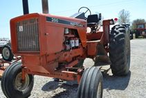 1975 Allis Chalmers 200 - Farm Tractors & Equipment