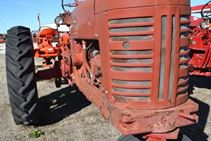 1952 International Harvestor H - Farm Tractors & Equipment
