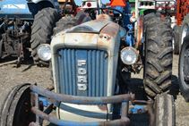 Ford 4000 - Farm Tractors & Equipment