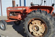 1965 Allis Chalmers D-17 IV - Farm Tractors & Equipment