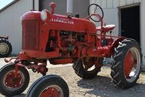 1950 International Harvestor CUB - Farm Tractors & Equipment