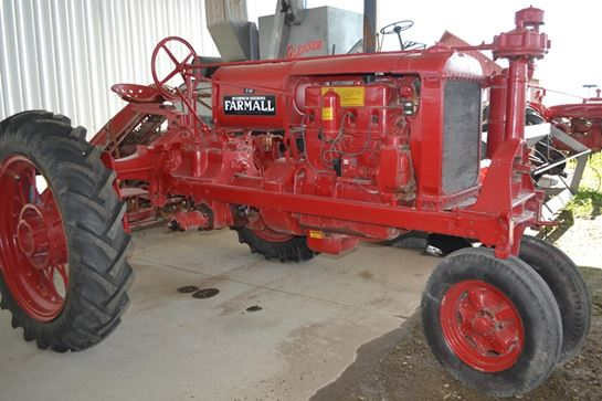 Farmall-IH F-30 - Farm Tractors & Equipment